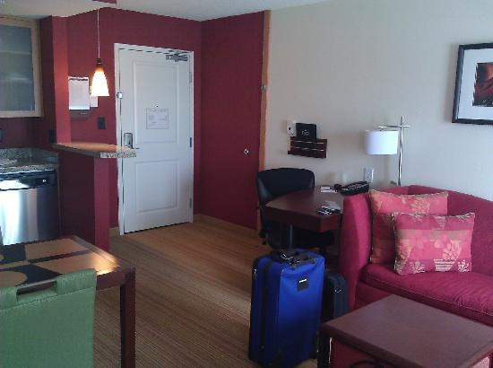 Residence Inn Columbus: Guest Living Area