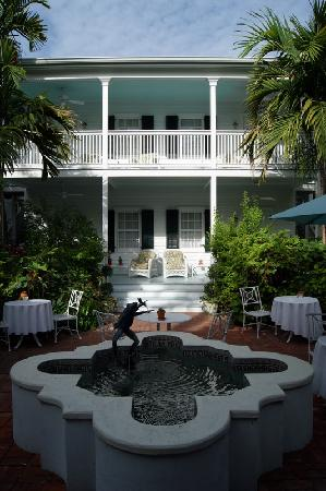 The Gardens Hotel: Fountain