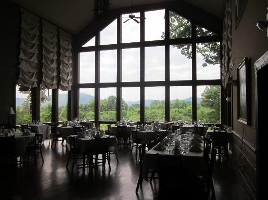 The Inn at Crestwood: Main Dining Room