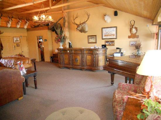 Baldwin City Lodge: Lobby