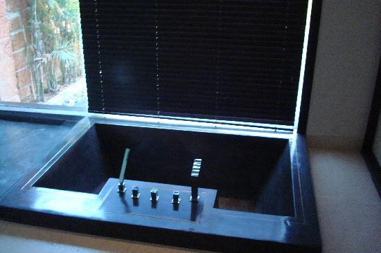 Fusion Maia Da Nang: Sunken Bath