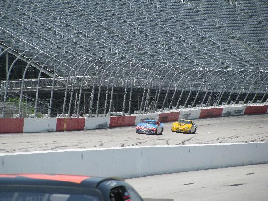 Richard Petty Driving Experience : On the track