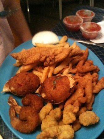 Foto de Fish Net Family Restaurant