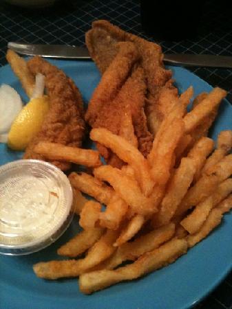 Fish Net Family Restaurant: cat fish plate