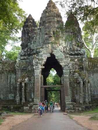 Cambodian Trails Private Guided Angkor Tour