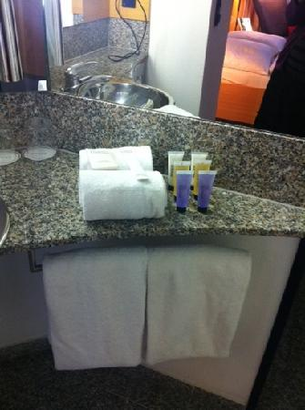 Novum Select Hotel Berlin Ostbahnhof: toiletries provided