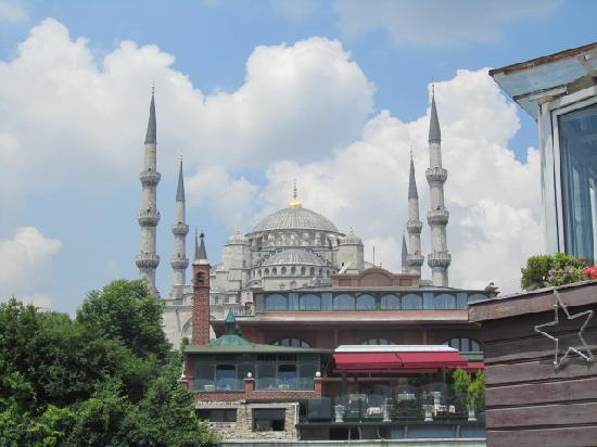 Agora Boutique Hotel Bistro: Zoomed view of the mosque.