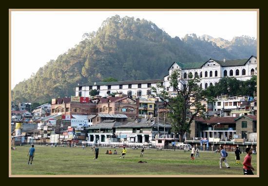Chamba Chaugan - Palace in the background