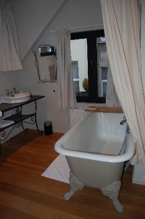 L Arbre De Vie French Boudoir Bathroom
