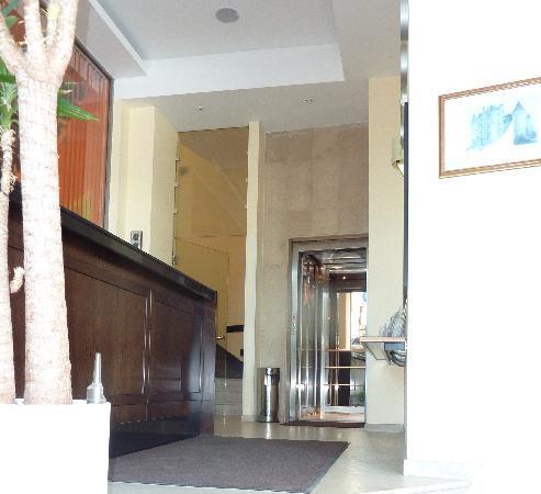 Hotel Lion: Entering the Elevator