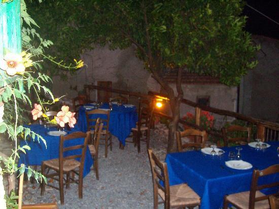 A Taverna Intru U Vicu: Il Giardino nel cuore del Borgo
