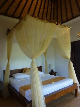 Uma Agung Villas: Upstairs room
