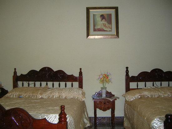 Hostal Dr. Suarez y Sra. Addys: Habitacion
