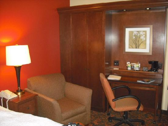 Chambersburg, PA: Desk, closet and chair