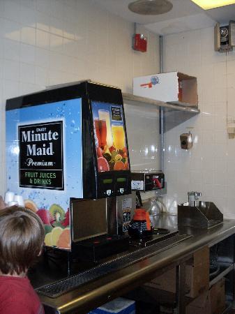 Howard Johnson Inn Williamsburg: Juice at breakfast