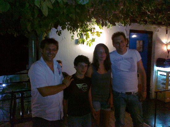 Oasis Restaurant : Con i fratelli