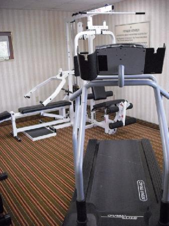 Hampton Inn Harrisburg / Grantville / Hershey: Small workout area