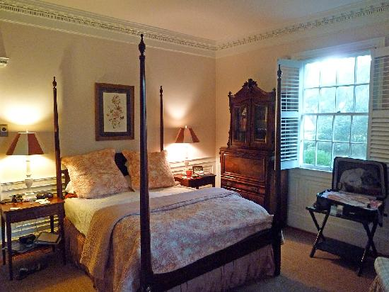 Mansfield Plantation: The Middleton Room