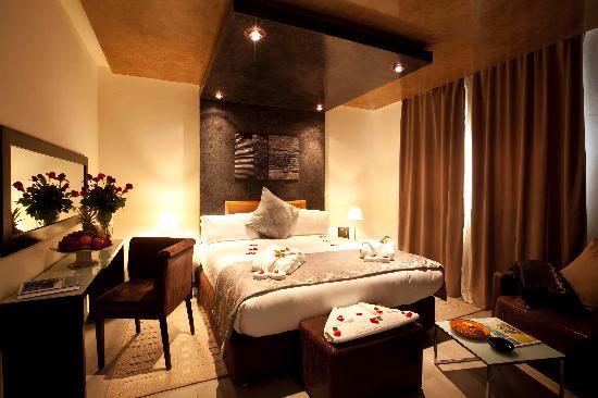 Dellarosa hotel suites & spa: Standard room