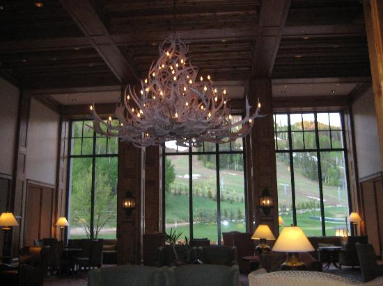 The Residences at Park Hyatt Beaver Creek : Cozy and welcoming lobby at the Park Hyatt