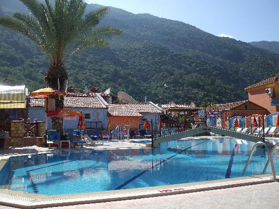 Hotel Karbel Sun: The Pool