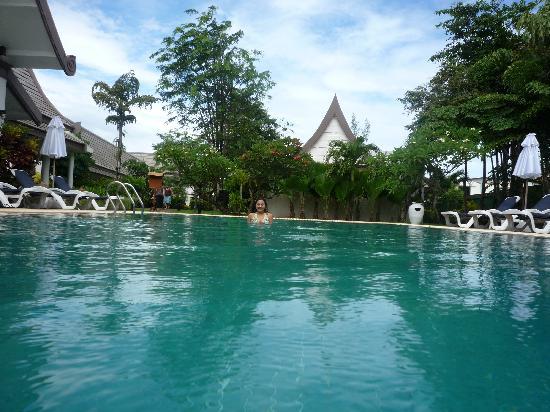 """Centara Kata Resort Phuket: Pisicine de la """"quiet zone"""""""