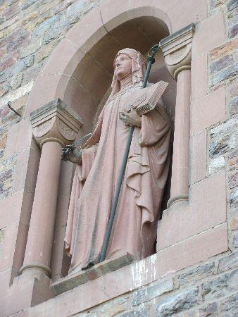 Benedictine Abbey of St. Hildegard: Hildegard statue in a niche