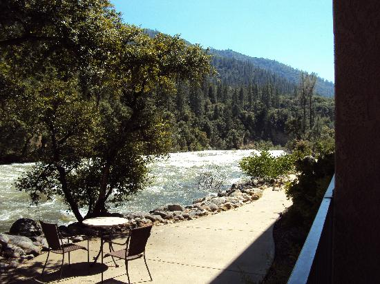 Yosemite View Lodge : From the Patio Door