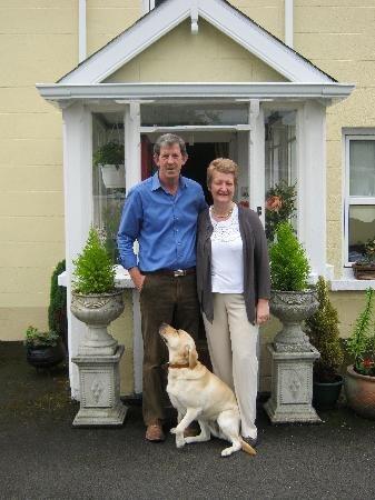 Nenagh, Irlanda: Mary , Brian and dog