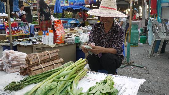 Lha's Place: zondagmarkt