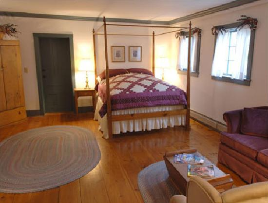 Featherbed Inn: Beatrice Suite