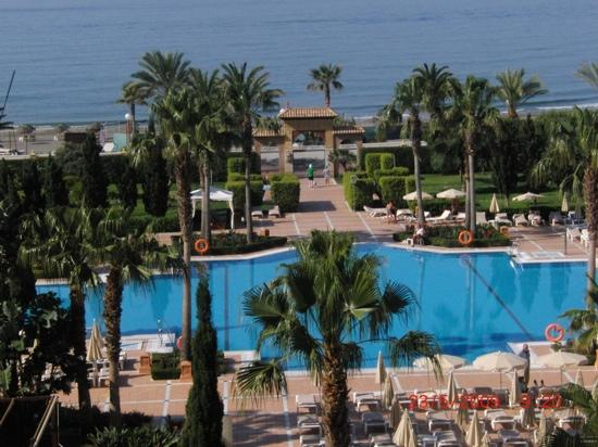 Iberostar Malaga Playa: rear of hotel