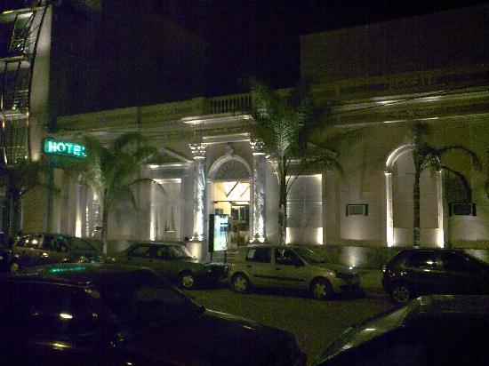 Hotel Holimasu: frente del hotel