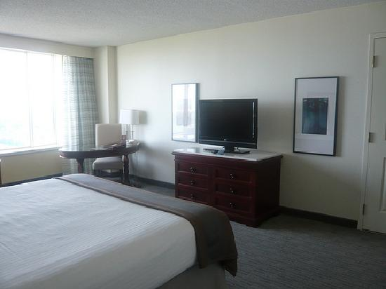 ‪‪Fallsview Casino Resort‬: Room - Kingsize bed - 25th Floor‬