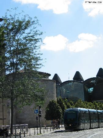 TeleProTour : Bordeaux : subtil mélange d'histoire et de contemporain (Fort du Ha XV° siècle et Tribunal de Gr