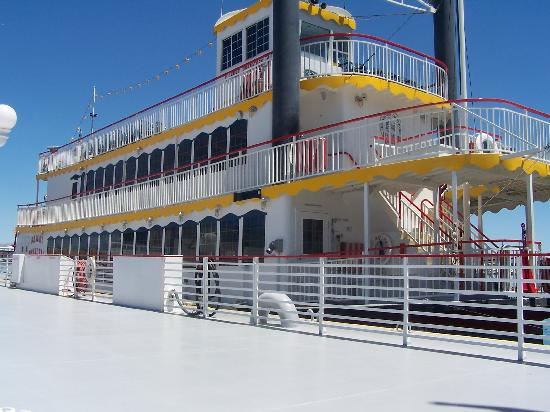 Grand Canyon Tours: Paddleboat for Lake Mead cruise.