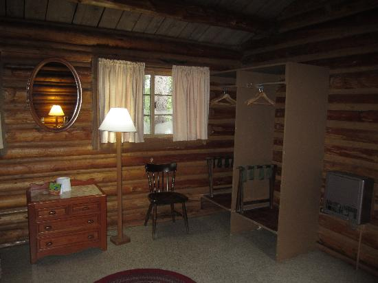 Colter Bay Village: The bedroom