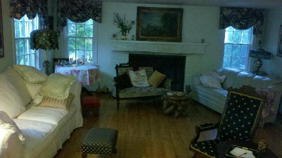 The Wren's Nest Bed and Breakfast : Sitting room