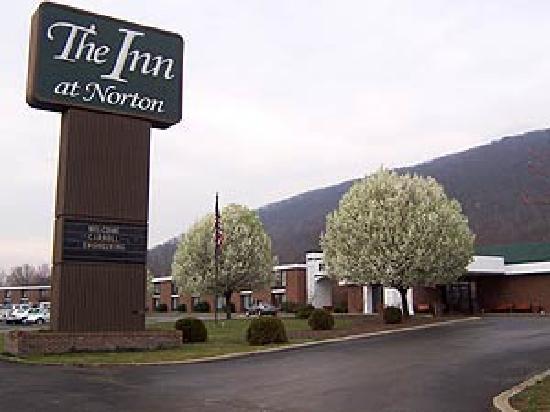 Atria Inn & Suites: Hotel