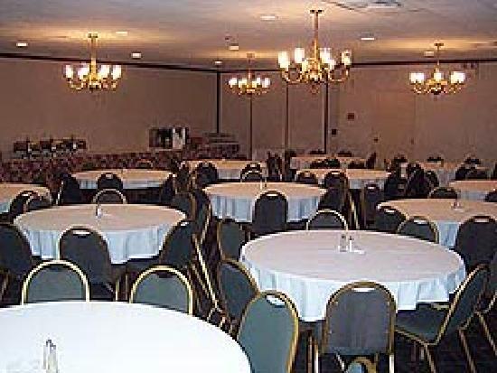 Atria Inn & Suites: Group Rooms