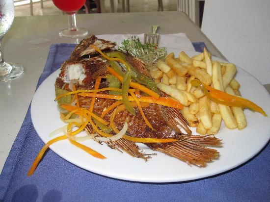 جراند بلاديوم جامايكا ريزورت آند سبا: Fish & Chips by Sunset Cove