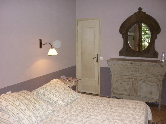 Hotel Sous les Figuiers: Bedroom