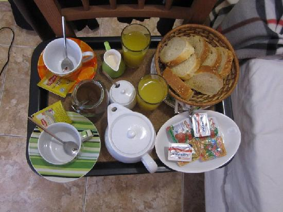 Villa Toula: Breakfast