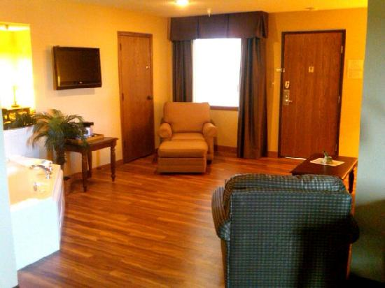 BEST WESTERN PLUS Dubuque Hotel & Conference Center: Living Room