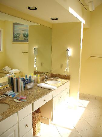 Spinnaker at Shipyard : Master Bathroom