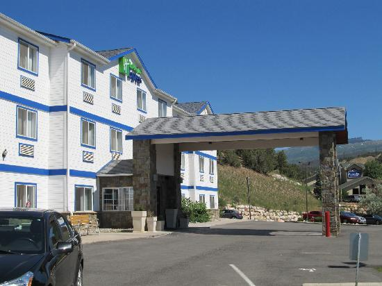 Holiday Inn Express Eagle: Hotel Front #2