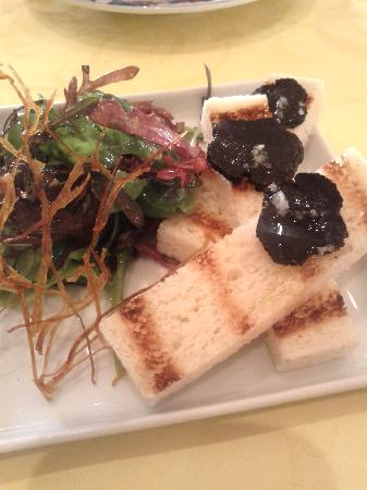 Hotel l'Esplanade : an appetizer course in the restaurant