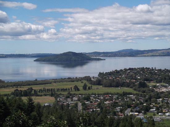 Skyline Rotorua: From the top overlooking Lake Rotorua
