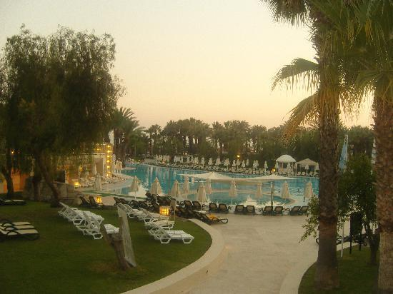 Otium Hotel Seven Seas: a look over the pool in the early evening