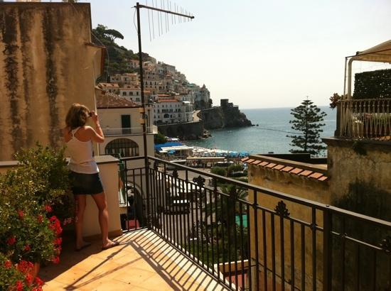 Residenza Pansa: Seaview room... quite nice compared to most other hotels in Amalfi.